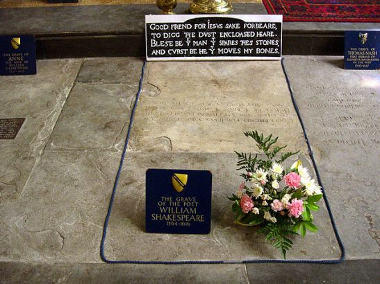 Shakespeare_grave_-Stratford-upon-Avon_-3June2007